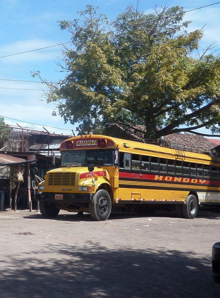 Chicken Bus, busstation Granada